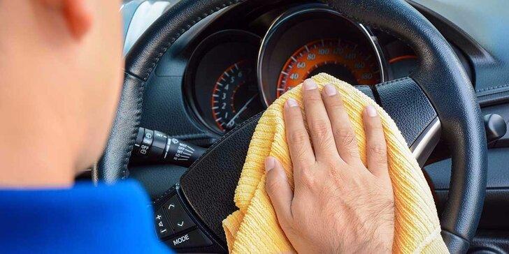 Čistenie interiéru auta s možnosťou dezinfekcie klimatizácie ozónom