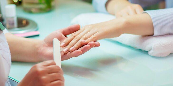 Japonská manikúra alebo mokrá pedikúra s masážou