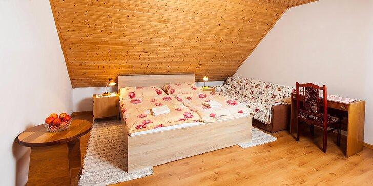 Jesenný alebo zimný pobyt v Oravskom domčeku so všetkými krásami okolia