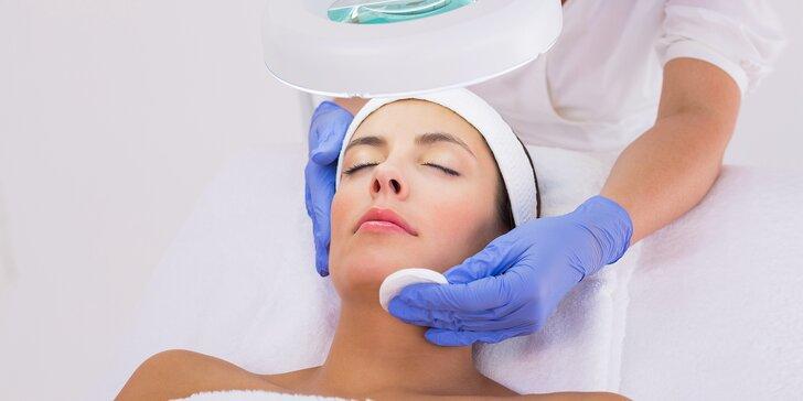 Ošetrenie aknóznej pleti s ultrazvukom a propolisom