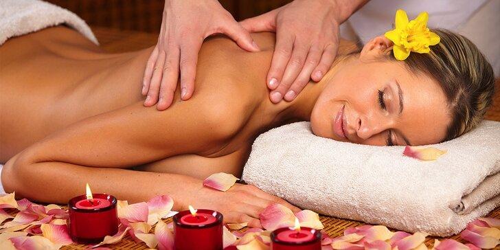 Liečebná masáž chrbta a šije, chodidiel alebo karpálneho tunela či anticelulitídna masáž