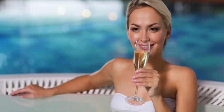 Relax vo Vodnom raji Vyhne alebo relax s vínnym kúpeľom