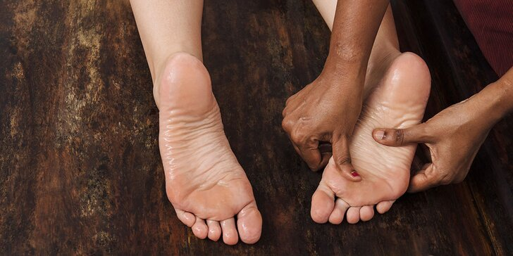 Uvoľňujúca ayurvédska masáž chodidiel - PADHA ABHYANGA či permanentka