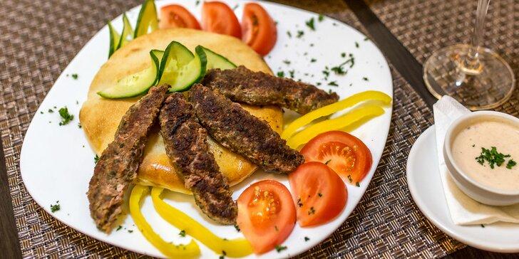Romantika pre dvoch v arabskom štýle. Dajte si pravý jahňací kebab!