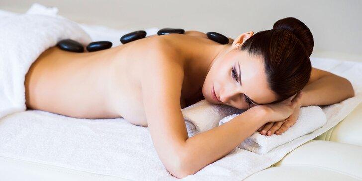 Aromaterapeutická masáž Raindrop luxusnými olejmi Young Living alebo masáž lávovými kameňmi aj s rašelinovým zábalom