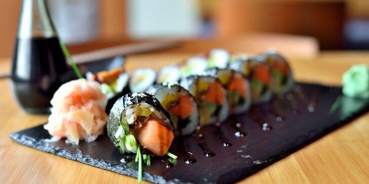 12 kúskov pravého Japonska! Lososová sake roll v EDO-KIN sushi & sake bare