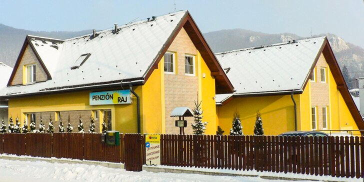 Pobyt v útulnom penzióne Raj v kúpeľnom meste Rajecké Teplice so zľavami na skipasy a do kúpeľov