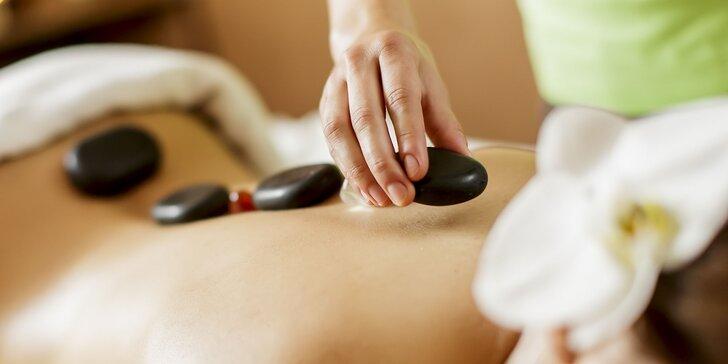 Celotelová masáž lávovými kameňmi. Objavte čarovné uvoľnenie!