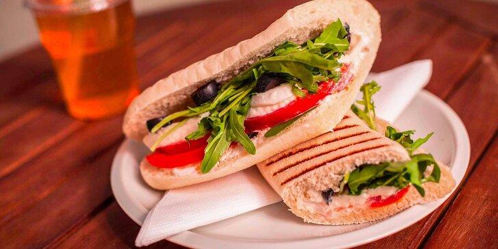 Talianske panini aj s nápojom vo Funky Fresh
