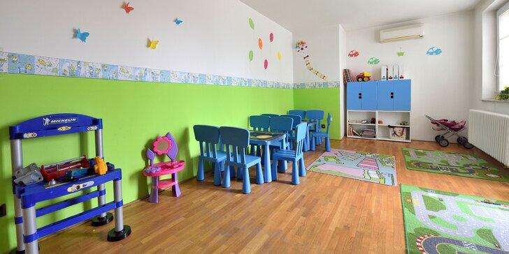 Celodenná alebo mesačná starostlivosť o dieťa v detských jasliach a opatrovateľskom centre Zajko Uško