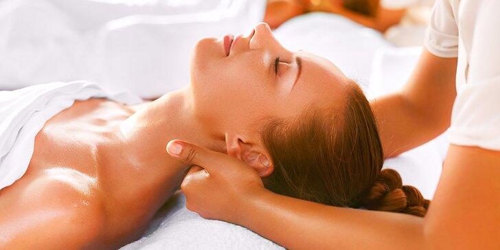 Klasická masáž či komplexná masáž hlavy, ramien a šije