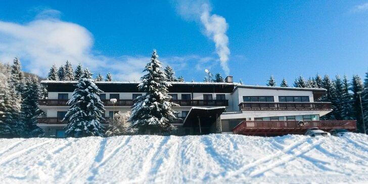 Zimná sezóna v zrekonštruovanom Hoteli Polianka s gurmánskou polpenziou a saunou v malebnom údolí Nízkych Tatier až so 4 Ski strediskami v okolí