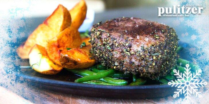 Gurmánska špecialita v Pulitzeri na Župnom námestí: juhoamerický grilovaný hovädzí steak s prílohou a domácou slepačou polievkou