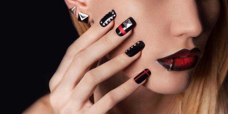 Mokrá manikúra, lakovanie gel lakom alebo modelácia umelých nechtov s masážou rúk