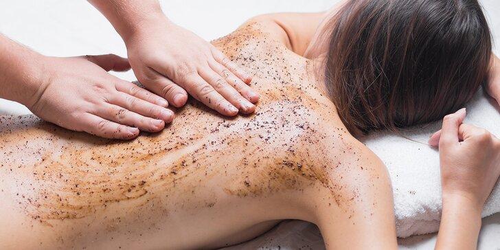 Pílingová masáž celého tela s krásne voňavým domácim pílingom