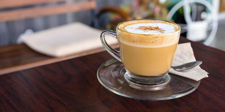 Dezert podľa vlastného výberu s espressom ALEBO cappuccinom