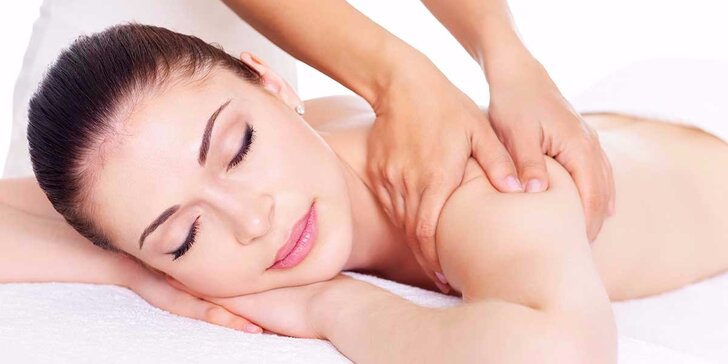 Klasická alebo reflexná masáž, manuálna lymfodrenáž a terapia akustickými rázovými vlnami