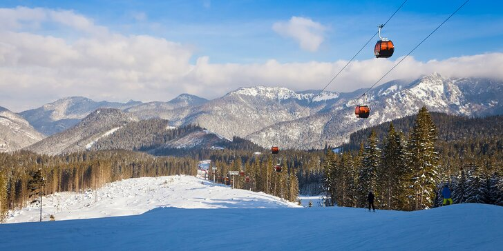 Rodinná lyžiarska dovolenka plná komfortu v útulnom Penzióne Sankt Johann v Nízkych Tatrách. Dieťa do 12 rokov zadarmo!