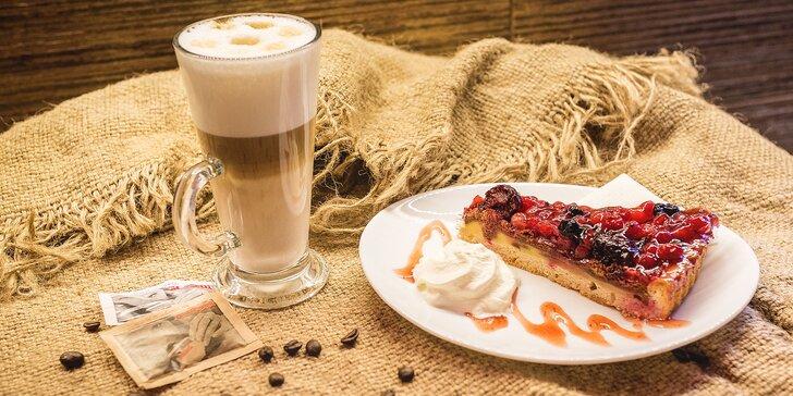 Lahodná káva podľa vášho výberu aj s muffinom alebo zákuskom v Grand caffe