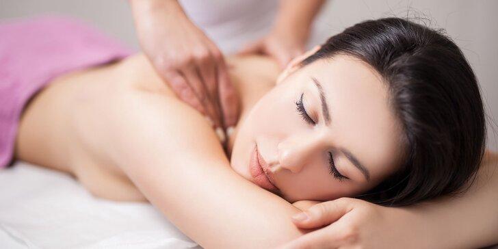 Masáž chrbta a chodidiel či manuálna lymfodrenážno-anticelulitídová masáž nôh