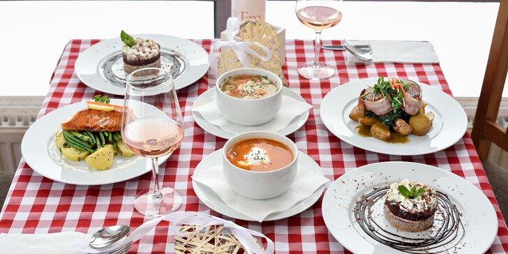 Trojchodové menu pre dve osoby v reštaurácií Aušpic