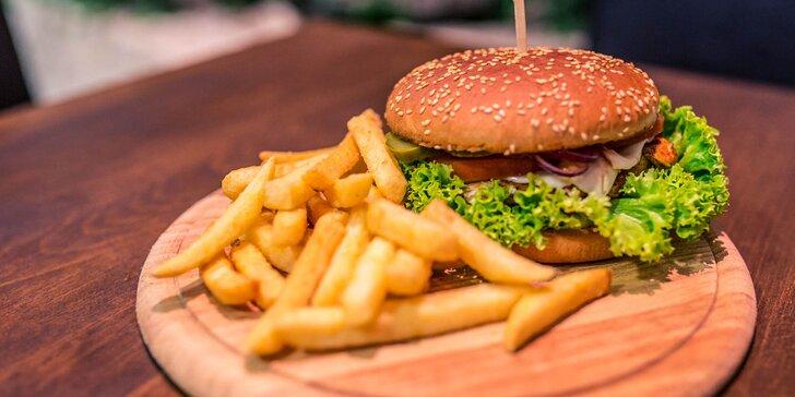 Kurací burger klasik či chilli s hranolčekmi