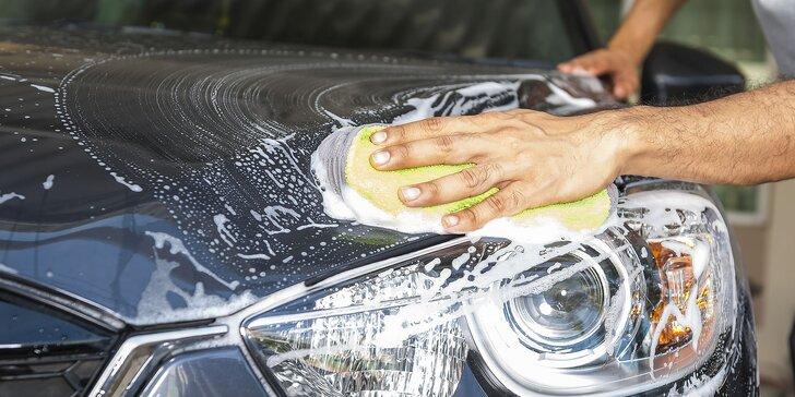 Ručné umytie exteriéru aj s možnosťou čistenia interiéru a tepovania