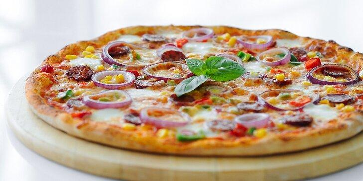 Pizza podľa vlastného výberu a paradajková polievka