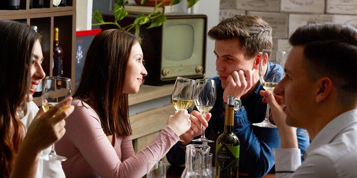 Fľaša kvalitného vína s pochúťkovým tanierom Barik