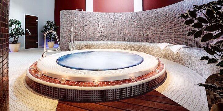 Pobyt v zruboch pre 10 osôb s exkluzívnym vodným svetom Hotela Bystrá***