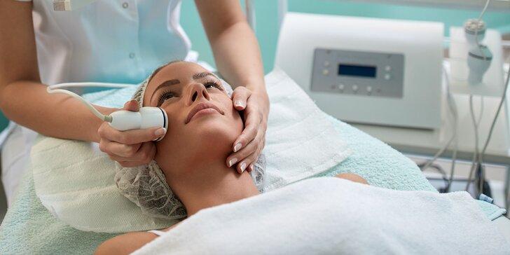 Kozmetické 4D ošetrenie pleti alebo frakčný termo lifting tváre