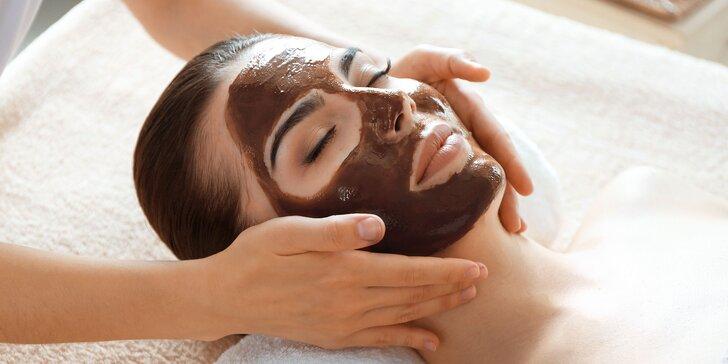 Čokoládová masáž tváre a dekoltu či levanduľové masáže