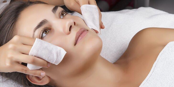 Hlbkové čistenie pleti alebo masáž tvare, krku a dekoltu s úpravou obočia