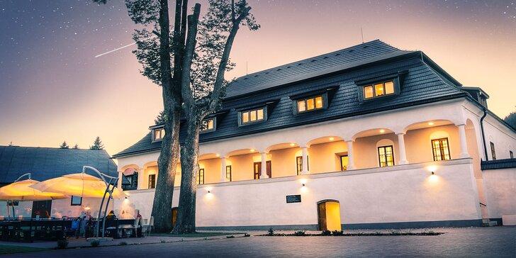 Rozprávkový pobyt v zrekonštruovanom barokovom kaštieli v slávnej ľudovej dedinke Čičmany
