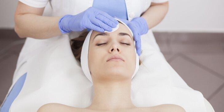 Kompletné hydratačné ošetrenie pleti s masážou tváre