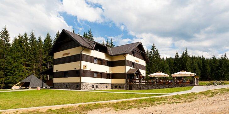 Letný rodinný pobyt s wellness v krásnom horskom Penzióne Kohútik v unikátnej Oravskej Lesnej