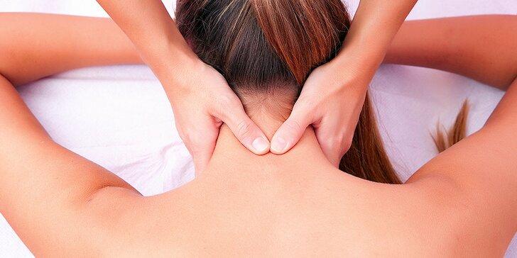 Uvoľnenie krčnej chrbtice alebo hormonálna masáž pre ženy