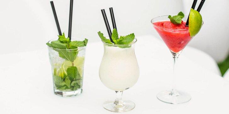 Miešané alko i nealko drinky alebo osviežujúce limonády