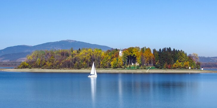 Jeseň pri Oravskej priehrade v zrekonštruovanom Hoteli Slanica