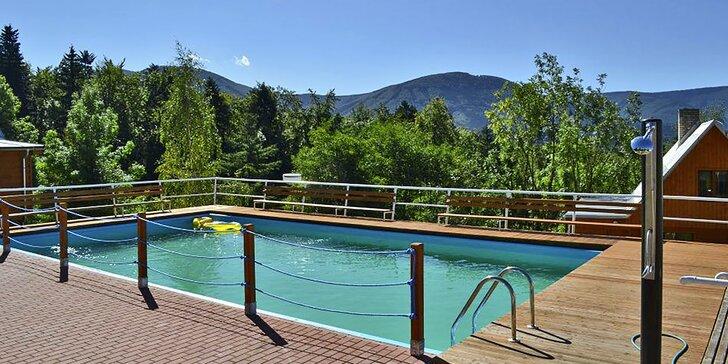 Jeseň v Beskydoch: polpenzia, šport, turistika a relax v bazéne aj saune