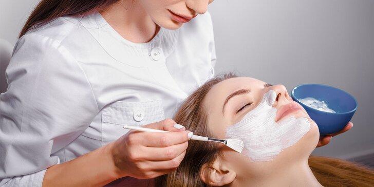 Kozmetické ošetrenie s BIO produktmi a masážou tváre a krku