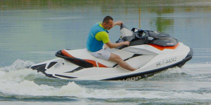 Adrenalínová jazda na vodnom skútri pre 1 alebo 2 osoby