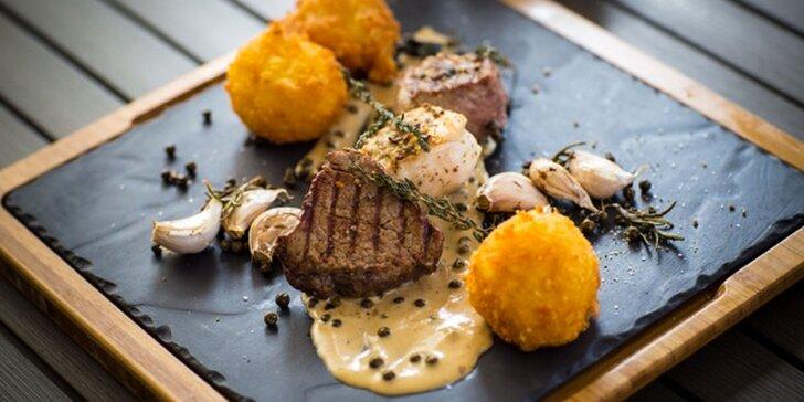 Mini steaky s omáčkou a domácimi kroketami