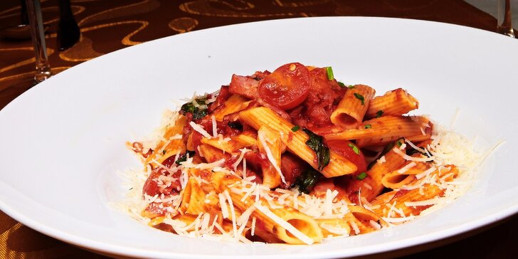 Rizoto alebo cestoviny s dezertom v jedinečnej reštaurácii Fellini!