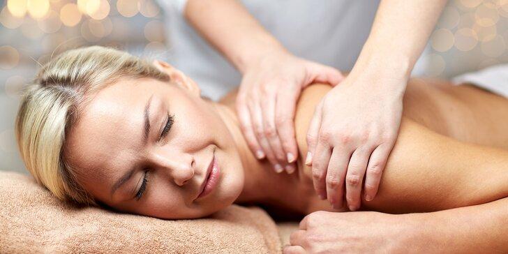 Čokoládová, klasická či relaxačná masáž chodidiel