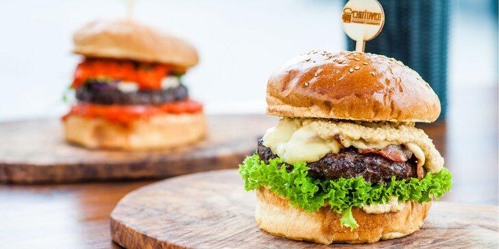 Super hot burger alebo burger z lahodného jahňacieho mäsa