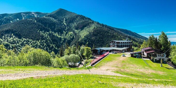 Pobyt v náručí prírody priamo pod Chopkom - Hotel SRDIEČKO***