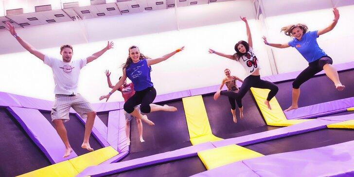 Vyskočte si od radosti: Hodina zábavy na trampolínach v JumpParku Jarov