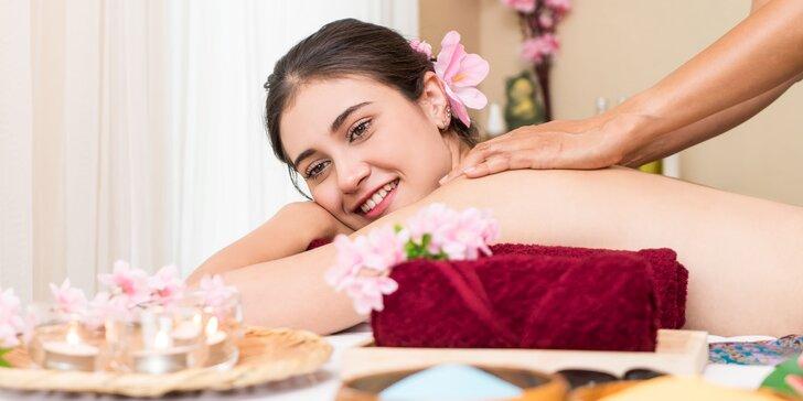 Celotelová ajurvédska olejová masáž a parná sauna v Golden Royal