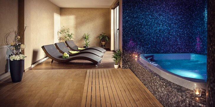 Romantický privátny wellness pre dvoch + masáž lávovými kameňmi a občerstvenie